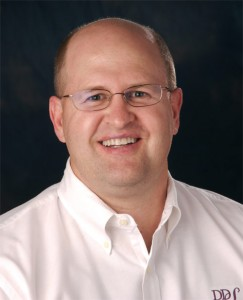 Lake Jackson dentist Dr. Scott Elrod offers general dentistry services such as teeth cleaning.