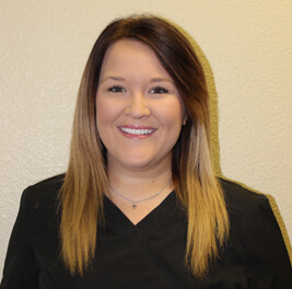 Taylor is a dental assistant in Lake Jackson TX who works for Distinctive Dental services.
